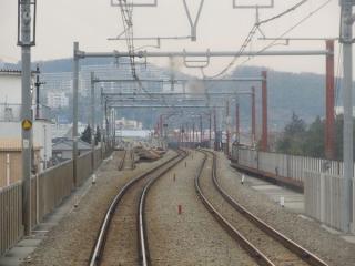 下り列車から見た第1期区間と第2期区間の接続点。