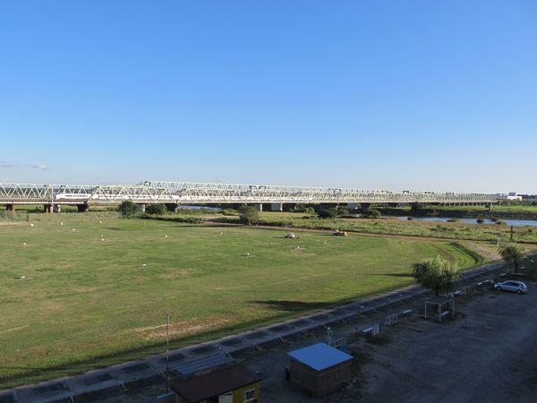 利根川橋梁を渡る651系「ひたち」。この列車が再び仙台まで行く日は来るのだろうか…