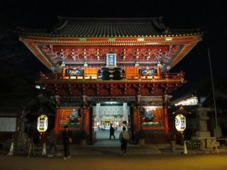 神田明神の境内入口にある隨神門