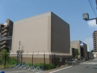 京橋方にある出口1と換気塔