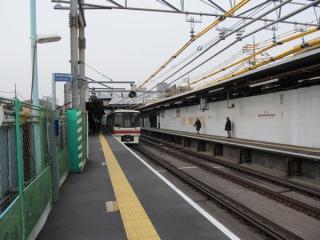 布田駅構内の状況。