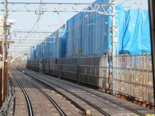 京成曳舟~八広間の下り列車の前面展望。引き続き高架橋の建設が進む。