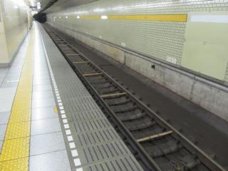 ホームドアの設置は保留となっている有楽町線千川駅