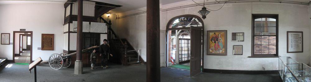 旧長浜駅舎1階出札出入口