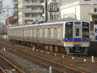 8000系(住吉公園駅)