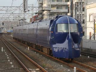 50000系特急「ラピート」(住吉公園駅)