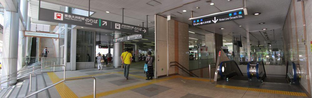東急大井町線の改札口とJR大井町駅西口の間にあるB出入口
