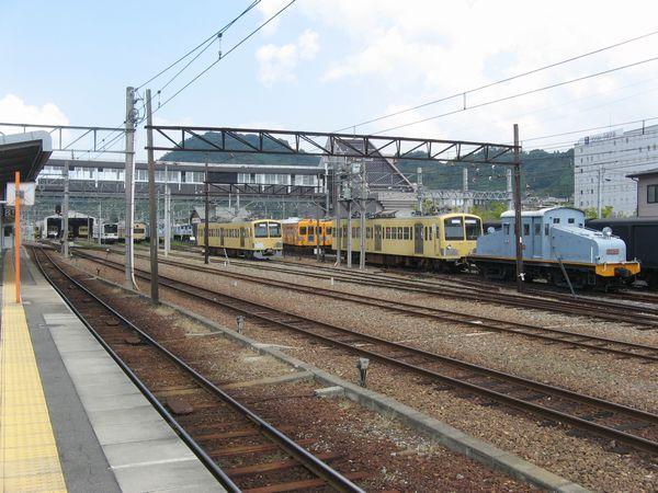 彦根駅構内の車両