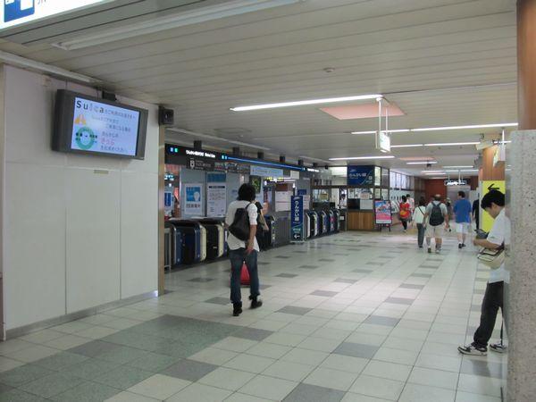 新木場駅中3階のりんかい線改札口