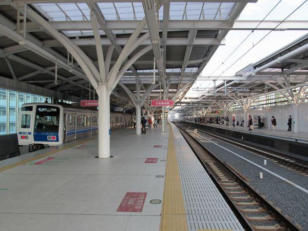 下り線の使用が開始された石神井公園駅高架ホーム