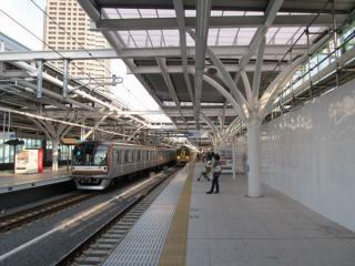2011年4月から使用が開始された石神井公園駅の高架下りホーム