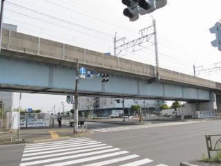 国道357号線から見た第2辰巳架道橋