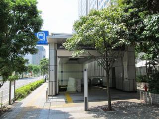 新木場寄りの駅端にあるA出入口。