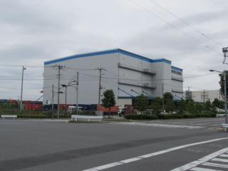 燻蒸倉庫が無くなり、普通の倉庫に改築された日本通運の倉庫。