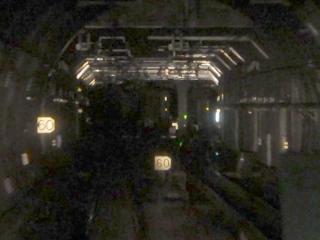 品川埠頭トンネルの始点。シールドトンネルより開削トンネルの方が幅が狭い。