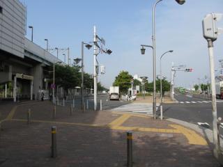 南側にある駅前ロータリー