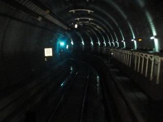 天王洲トンネル入口直後の直線区間