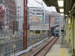 秋葉原駅の東京寄りで建設が進む二重高架のアプローチ区間。