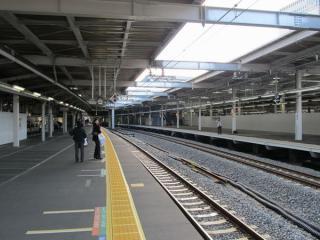 拡幅された9・10番線ホーム・11・12番線ホームの東京寄り