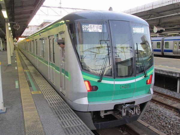 千代田線本線の主力車両16000系。来年度までに本線は全車両がこの車両に置き換えられる予定。