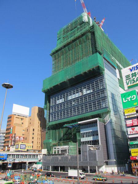 渋谷駅東口ロータリー前に建設が進む「渋谷ヒカリエ」