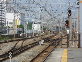 3・4番乗り場ホームから神戸・宝塚方面を見る。