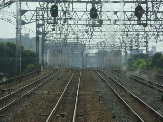 尼崎駅先の東海道線並走区間(上り列車の前面展望)