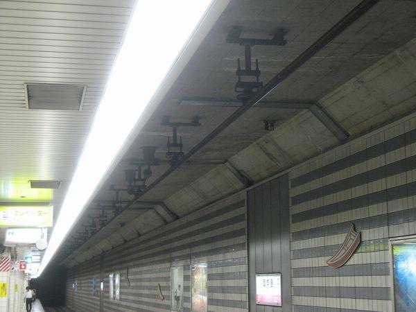 JR東西線の剛体架線
