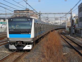 北行の線路を逆走して北浦和駅に到着する京浜東北線E233系