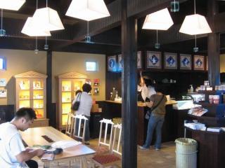 駅車内に新設された「たまカフェ」