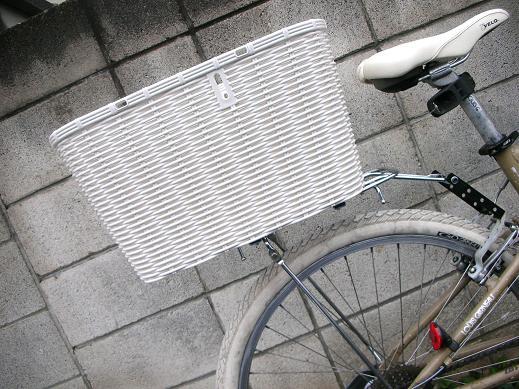自転車の 自転車 子供 椅子 後ろ : 一癖創作自転車家 狸サイクル ...