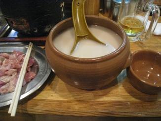 マッコリは壷で~(ノ´∀`*)