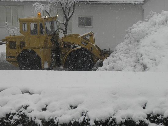 今朝の様子 除雪車出動