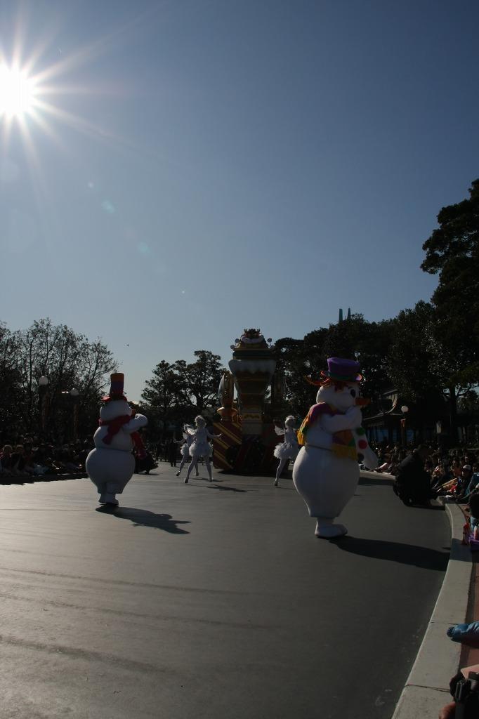 White Holiday Parade