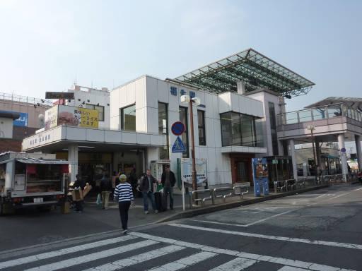 20110206・駅2・福生01