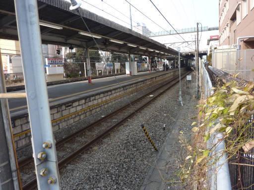 20110206・駅2・福生04