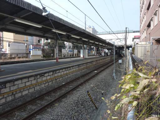 20110206・駅2・福生07