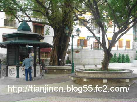 リラウ広場(阿婆井前地Largo do Lilau)2