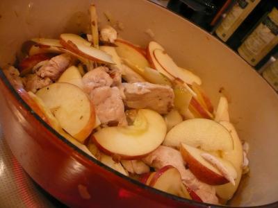 鶏 リンゴ煮