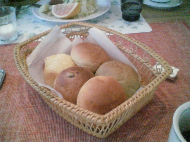 ママさん手作りの出来立てパン