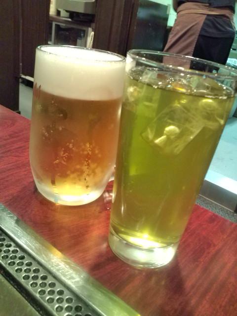 生ビールと緑茶ハイ