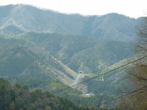 16号線の峠からの遠景01