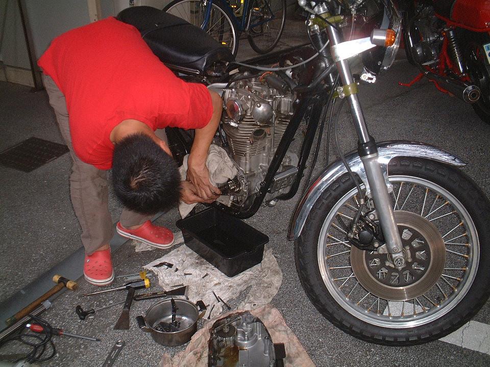 2011.10.2 XS650SP修理 (3)