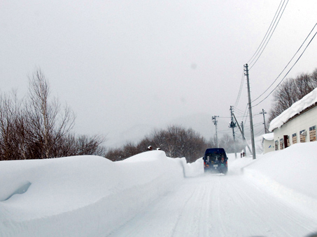 トンネルを抜けなくても雪国でした