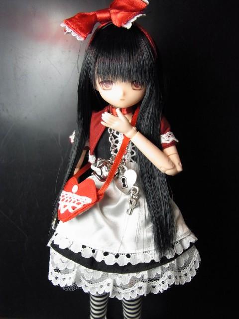 Black Alice03