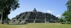 800px-Borobudur-Nothwest-view.jpg