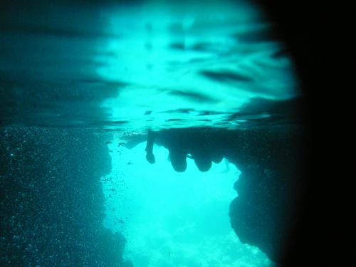 青の洞窟 水中
