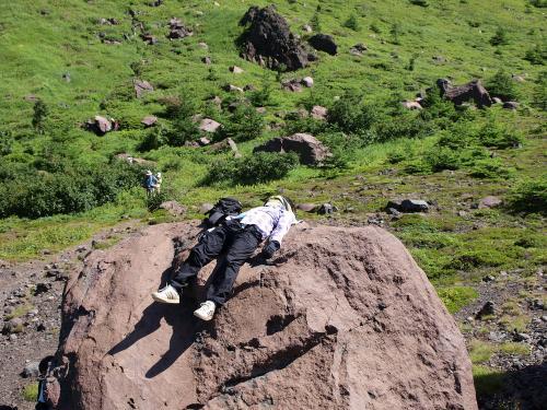 岩があったら登ります