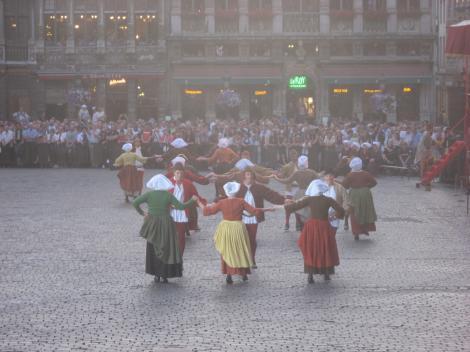 庶民の踊りー3