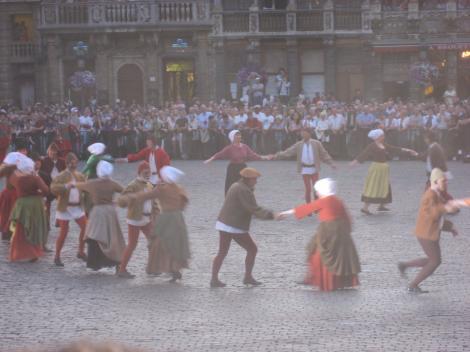 庶民の踊りー4